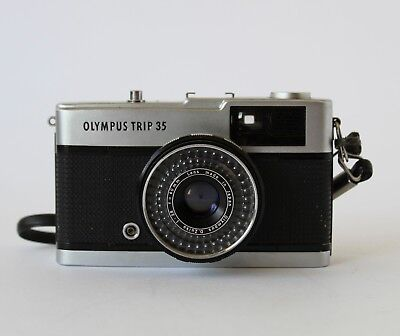 Vintage 60s OLYMPUS TRIP 35 35mm FILM CAMERA with Lens Cap JAPAN
