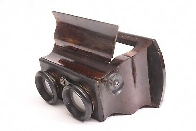 Wooden Stereoviewer for card stereo view format 8,5x17 cm. Circa 1870.