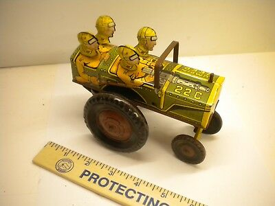 Vintage Marx Jumpin Jeep toy car wind up WWII 4 GIs nice cond. 6 in long antique