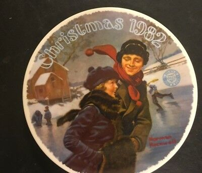 Norman Rockwell Vintage Plate 'Christmas Courtship' Christmas 1982 FREE SHIPPING