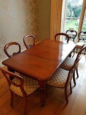 Very Early Victorian Mahogany 6-8 seater dining table.