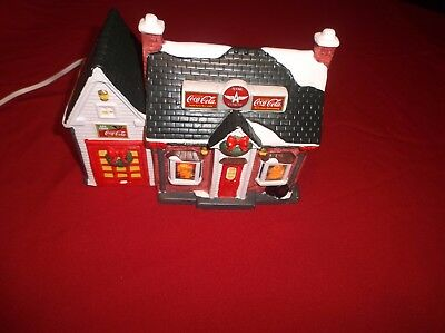 1994 Coca Cola Town Square Collection Lighted Ceramic Gas Station Christmas Deco