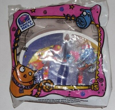 """1997 Taco Bell - Kids Meal Toy """"Nacho and Dog""""  Half Court Hoops Toy"""