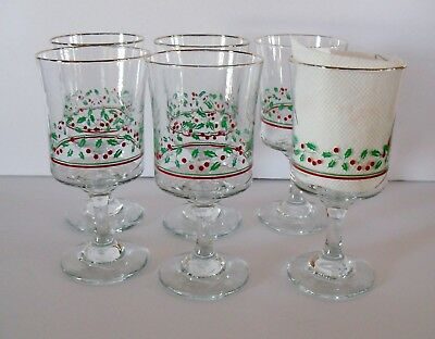 Lot of 6 Vintage 1987 Arbys Christmas Holiday Holly Berry Glasses Wine Goblet