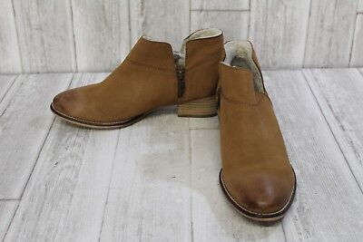 e0fe0bc585c6e9 SEYCHELLES SNARE COZY Suede   Shearling Lined Booties