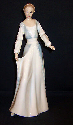 HN3045 - Royal Doulton Figurine - Reflections Series - Demure