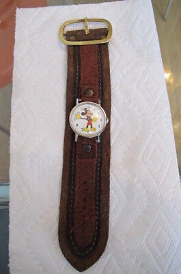 vintage MENS Mickey Mouse walt disney production ingersoll WATCH Leather band