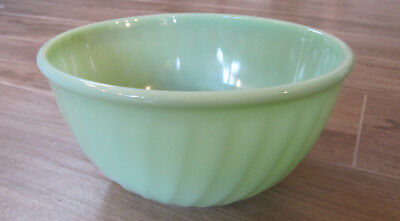 """EC Vintage Fire King Jadeite Glass Oven Ware 9"""" Swirled Mixing Bowl"""