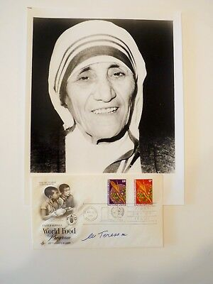 Signed SAINT MOTHER TERESA  SIGNATURE  AUTOGRAPH RARE PHOTO & 1ST DAY COVER