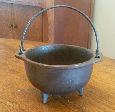 Vintage Cast Iron Metal 3 Legged Witch Cauldron Kettle Pot