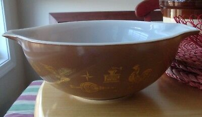 Pyrex Cinderella Mixing Bowl, 4 Qt. Ovenware, Early American Pattern, brown, gol