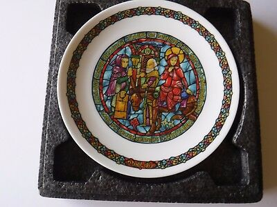 """Limoges Christmas plate, """"No Room at the Inn"""", 3rd in series"""