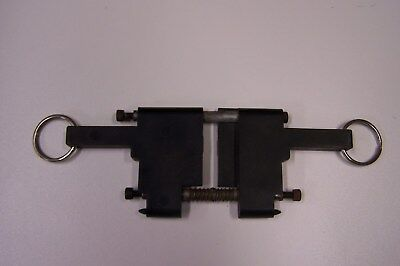 Standard Change Makers 500 ,600 NOTE ACCEPTER LOCKING ASSEMBLY, USED.