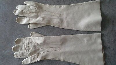 Vintage ladies Perrins cream unlined long leather gloves, size 6