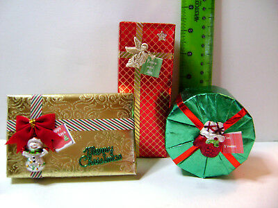 Barbie 1:6 dollhouse wrapped Christmas gifts presents tags 3 pc set red green