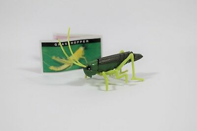 YOWIE Series 1 Grasshopper Paper + Toy Collectable