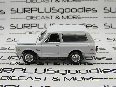 Johnny Lightning 1/64 Scale LOOSE White Classic 1969 CHEVROLET Chevy BLAZER 4X4