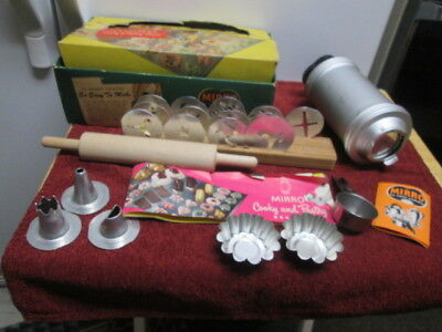 Vintage Mirro Aluminum Cookie Pastry Press #358-AM with Box