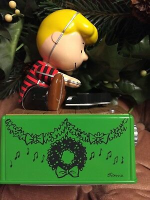 Hallmark 2017 Peanuts Schroeder Christmas Dance Party Figure with Music & Motion