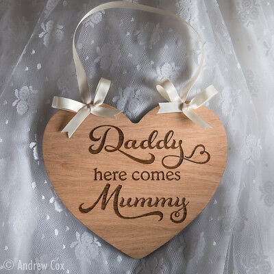 Daddy here comes Mummy Wedding Signs Rustic Heart Plaque Decorations Gifts 18cm