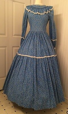 vintage civil war re-enactment dress, blue print, white lace, full skirt