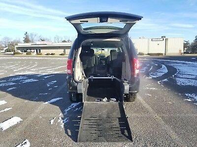 2014 Dodge Grand Caravan 3.6 VAN  WHEELCHAIR HANDICAP DODGE CARAVAN 2014 REAR ENTRY LOW MILES