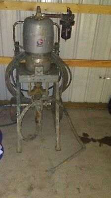 GRACO BULLDOG PAINT SPRAYER  41:1 Duraflo Paint Pump Industrial Commercial Spray