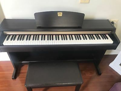 Yamaha Clavinova Digital Piano CLP-220 Good Condition