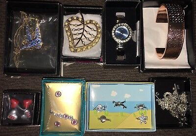 Avon 8 x Fashion Jewellery Pieces. All Brand New in Boxes. Great Gift Ideas!
