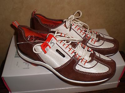 Sneaker Aetrex  Ellie Brown Lace Up  Size 5 Shoes New