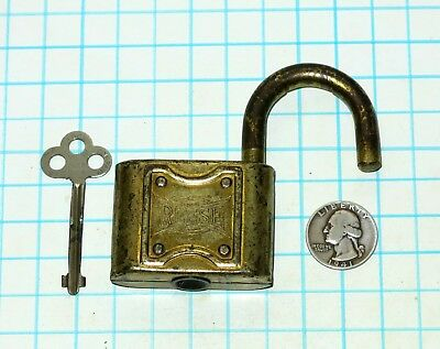 Vtg Antique Old Large Brass Plated Warded REESE Lock Co. Padlock and Master Key