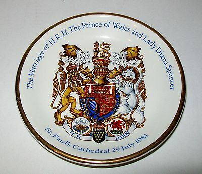 1981 'MARRIAGE OF PRINCE OF WALES & LADY DIANA SPENCER DISH 11cm Wood & Sons