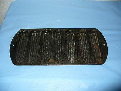 Vintage Lodge Cast Iron Corn Bread Pan Mold Baking Camping Grill 27C2 Muffin GUC