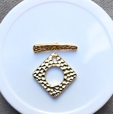 Toggle/Clasp, Hammered 23x23mm Bright Gold Plating, 1 set per pack.