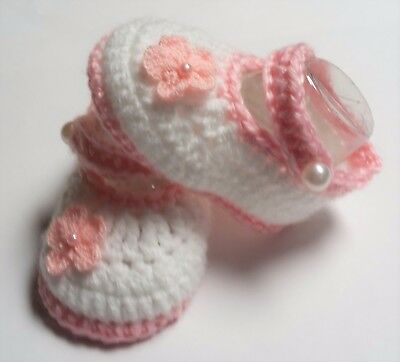 Girls 8cm white/pink/flower hand made crochet baby Mary Jane strap booties/shoe