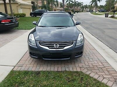 2012 Nissan Altima S 2012 Nissan Altima 2.5s Gray w Black Leather Moonroof 58k Clean