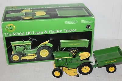John Deere Precision Classic Model 110 Lawn and Garden Tractor With Box ERTL