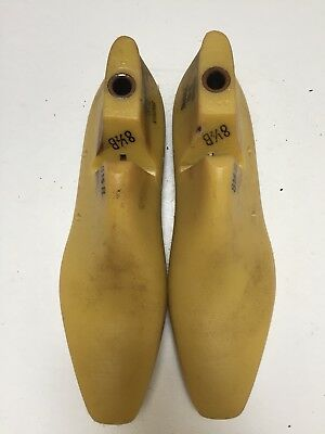 Vintage Pair Of Size 8.5 B Shoe Lasts From Jones & Vining Of Molded Plastic