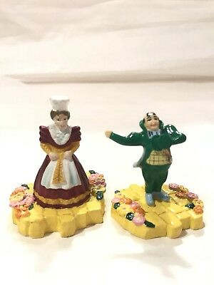 Warner Brothers Miniature Classic Wizard of Oz Mayor & Munchkin Lady 1999