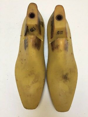 Vintage Pair Of Size 12 D Shoe Lasts From Jones & Vining Of Molded Plastic