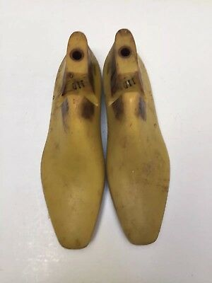 Vintage Pair Of Size 11 D Shoe Lasts From Jones & Vining Of Molded Plastic