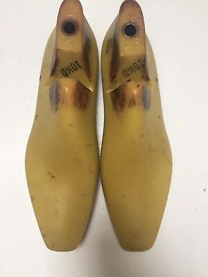Vintage Pair Of Size 10.5 D Shoe Lasts From Jones & Vining Of Molded Plastic