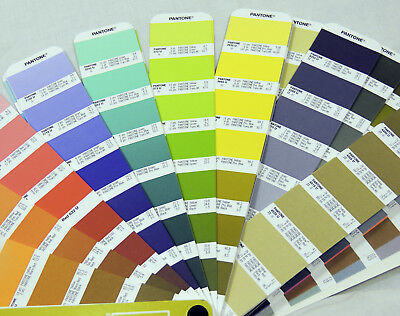 Pantone Formula Guide Solid UNCOATED LARGE Edition With Special Features te