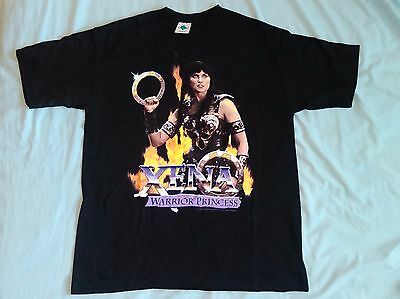 "CLASSIC XENA ""FIRE"" T SHIRT! Xena Holding Chakram FIRE Backdrop NEW! ADULT Large"