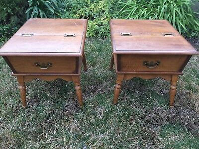 BEAUTIFUL PAIR OF HEYWOOD WAKEFIELD Old Colony Maple Dough Box End Table