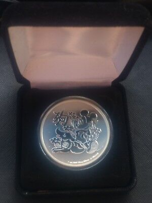 1 oz silver mickey mouse. lunar year year of dog Disney. box! capsule!.999 pure!