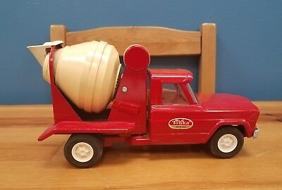 Vintage 1960s Tonka Pressed Steel Red Cement Mixer Truck Made in the USA *CLEAN*