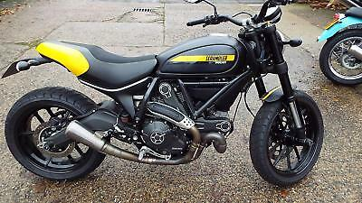 Ducati Scrambler Full Throttle 800cc 2015 reg bike 2471 miles superb
