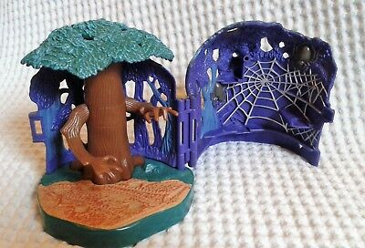 Harry Potter (Polly Pocket) Forbidden Forest Whomping Willow (2001) Play Set.