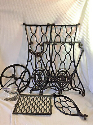 ANTIQUE SINGER SEWING Machine Cast Iron Treadle Industrial Table Awesome Sewing Machine Treadle Base